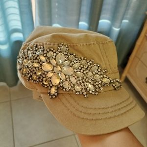 Buckle hat